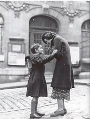 El comienzo de las clases en 1938 por Romina y Luciano