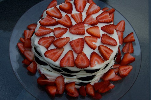ice box cake- with strawberries