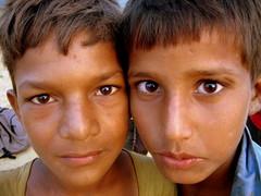 little herdsmen! (Roberto Castillo (@castillorocas)) Tags: india nirvana delhi indian goa varanasi maharashtra budha shiva mumbai pushkar hindu hinduism kolkata himachal himalayas calcutta rajasthan udaipur indio newdelhi ganga gujarat ahmedabad samsara jodhpur ganges pradesh himachalpradesh benares uttar budismo budism uttarpradesh bombai calcuta meditacion indianchildren hinduista theindiatree