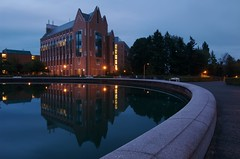 (Penseroso) Tags: pond universityofwashington 1224 eow