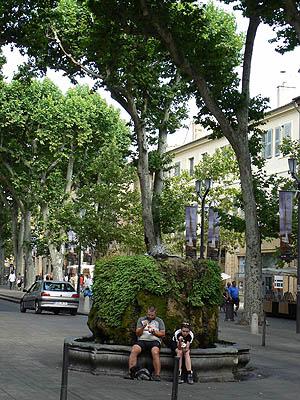 1 fontaine sur le cours Mirabeau.jpg