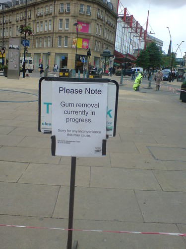 Chewing gum removal zone