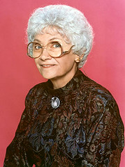 Estelle Getty (Da Nes) Tags: california girls dead lost golden los globe comedy die boulevard angeles body award emmy hollywood actress getty series alzheimers 2008 sophia disease supporting winning died estelle dementia outstanding 84 lewy episodes petrillo
