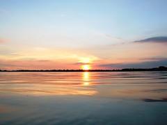 Sunset (chrisgandy2001) Tags: sunset sky cloud sun lake water sunshine day dusk rugby sunny clear warwickshire draycote dunchurch draycotewater dwsc aplusphoto gettyvacation2010
