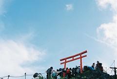 reaching the top (librarymook) Tags: camera mountain film japan climb fuji natura 1600 climbing 日本 fujifilm 富士山 mtfuji classica mooprint
