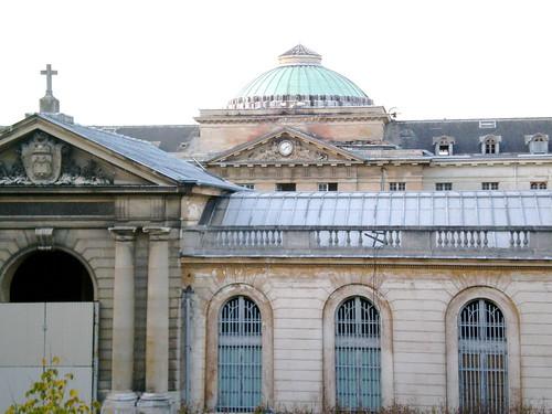 Defunct Versailles Hospital