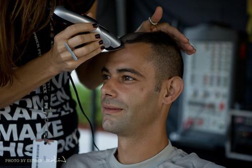 Army man gets his hair shaved liked Kimbo's