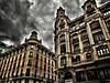 Otras maneras de ver el mundo.... (hiskinho) Tags: madrid city windows sky edificio centro ciudad ventanas ciel cielo fachada hdr semáforo obras granvía