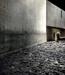 Die Untergegangenen und die Geretteten (Moondancer (sounds and visions)) Tags: berlin art sp memory jdischesmuseum 50faves kreuzberg61 articulateimages hourofthesoul 100commentgroup tributetoprimolevi holocaustyesterdayandtoday
