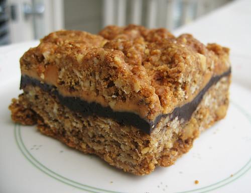 Chocolate Peanut Butter Granola Bar