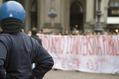 Watch and Wait... (FaAbiu) Tags: milano manifestazione no133 legge133