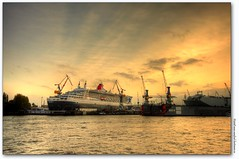 dock 17 / queen mary 2 (manfred-hartmann) Tags: germany eos hamburg explore ms hh hafen qm2 stpauli hartmann schiff queenmary2 hdr elbe hamburgerhafen manfred blohmvoss blohmundvoss dock17 40d mywinners anawesomeshot goldstaraward