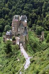 Burg Eltz (relilles) Tags: building castle burgeltz