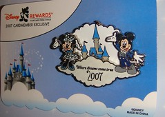 Disney Rewards Mickey and Minnie Dreams pin (partyhare) Tags: castle pin dream disney mickey disneyworld mickeymouse minnie minniemouse wdw waltdisneyworld visa 2007 pintrading cinderellacastle disneypin disneypins yomd yearofamillionsdreams