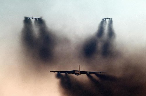 Airplane picture - B52G