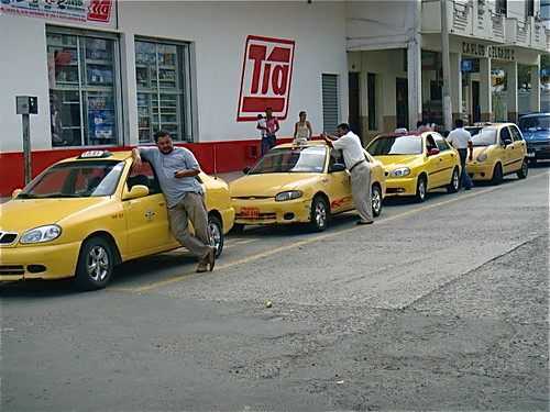 ecuador-coastal-taxis