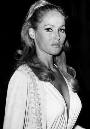 Ursula Andress 7
