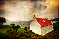 Red roof house (manlio_k) Tags: roof red sky scotland grunge sigma 1020mm hdr manlio castagna lochtorridon photomatix texturized manliocastagna manliok