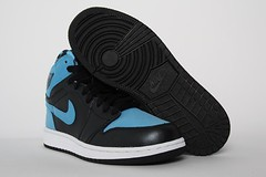 Jordan 1 Retro Hi GS - Black Vivid Blue. .