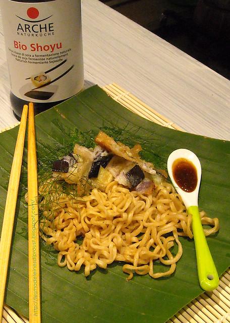 noodles-con-salsa-al-curry-e-kaki--age-di-alici-e-melanzane