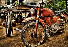 Old (david A.F Photography) Tags: old red españa oxido girona catalunya espagne hdr cataluña motos motocycles sils nikond60 anawesomeshot elmural davidg9photography