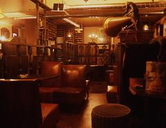 cafe Renaissance. (F_blue) Tags: tokyo 645 fujichrome classicalmusic tannoy provia100f vacuumtube koenji  etrs radiovalve rdpiii zenzabronica zenzanonpe5028 splprecords fblue2008