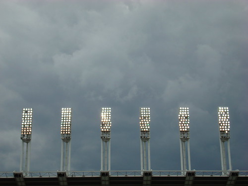Storm clouds gather overhead. This photo is emblematic of so many aspects of the 2008 season, it's sickening.