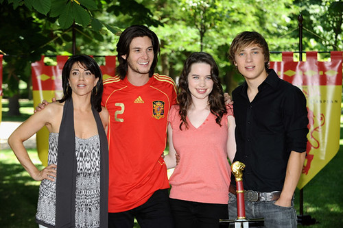 william moseley and ben barnes. en barnes with costars