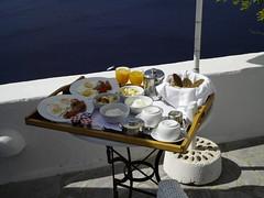 El desayuno (alvarolumix) Tags: santorini grecia cicladas oiaia