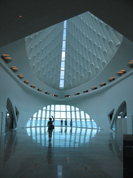 milwaukee art museum: inside