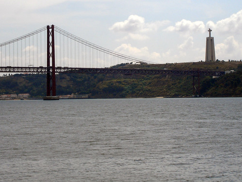 25 de Abril Bridge with Cristo-Rei