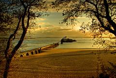 La playa de los Bikinis (Ariasgonzalo) Tags: paisajes costa mar damm naranja soe santander playas citric marcantbrico supershot cantanbria bej golddragon abigfave platinumphoto anawesomeshot diamondclassphotographer flickrdiamond betterthangood goldstaraward playadelosbikinis damniwishidtakenthat