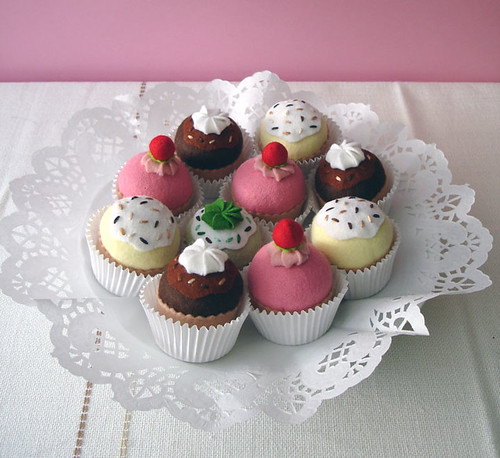 Plate of felt cupcakes