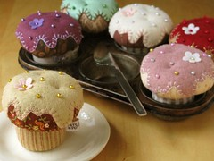 CupCake Pincushions (PatchworkPottery) Tags: handmade sewing crafts fabric cupcake pincushion applique zakka