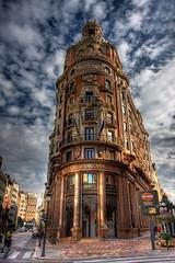 Banco de Valencia (Vicent de los Angeles) Tags: city urban espaa building valencia architecture clouds canon eos reflex spain arquitectura bank wideangle 2008 hdr highdynamicrange 1022 efs1022mm photomatix bancodevalencia 40d mywinners a3b