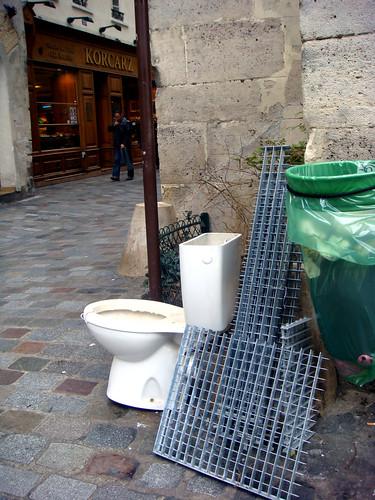 toilet marais