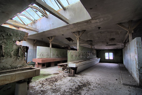Washing hall 5/12 (HDR)