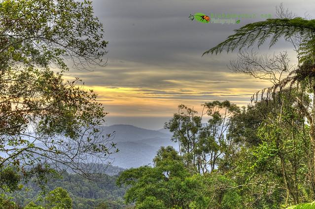 Explorasi ke Gunung Telapak Burok - Senja menjengah