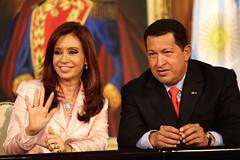 Los presidentes de Argentina y Venezuela suscr...