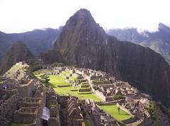 ...Finalmente il Sole!!! ...Finally the Sunshine!!! (Grabby Walls) Tags: travel fab peru machu picchu inca cuzco america