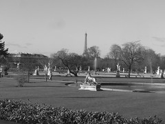 Paris - jardin du luxembourg - Tour Eiffel - N&B