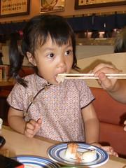 makan sushi (hirokirana) Tags: sushi makan disuapin