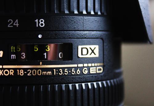 Nikon 18-200mm VR DX lens
