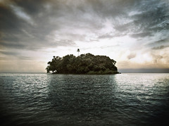 Treasure Island / The Island / L'le Perdue (Getty Images) (Aaron Escobar) Tags: ocean sea seascape abandoned beach america photoshop canon landscape lost island eos boat ship treasure quality tag aaron cuba central tourist finepix granada tropical fujifilm nicaragua pixels volcanic isle vignette aux isla ilha strom deserted hdr escobar perdu 815 hdri le perdida potofgold lle blueribbonwinner photomatix s9000 cotcmostinteresting oceanscape cocibolca xolotlan trsors mywinners anawesomeshot l aplusphoto goldstaraward