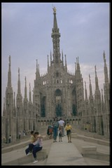 Ricordando Milano (4) (alfiererosso) Tags: city milan cathedral milano catedral stadt dome duomo citta verticale verticality mailand guglie ciutad