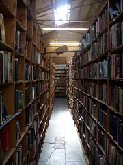 100_2127 (schwartzray) Tags: california books bookstore libri longbeach libros livros livres libreria bcher livraria librairie librera buchhandlung      acresofbooks    bertrandsmith