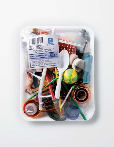 Surfrider - Farmer's Market - Plastic surprise