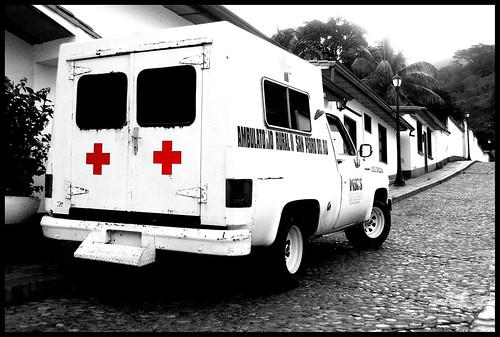 Cruza los dedos y que ninguna ambulancia coja a uno de tus chicos ...