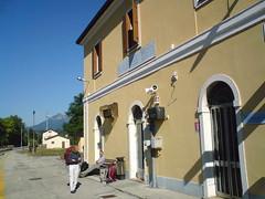 Ferrovia Santa Giustina (Nevica) Tags: italia treno italians ferrovia santagiustina av2