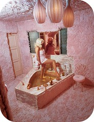 Jane Mansfield's bathroom (lorryx3) Tags: pink carpet bathroom bath heart jane shag mansfield janemansfield celebrityhomes pinkshagcarpet heartshapedbath